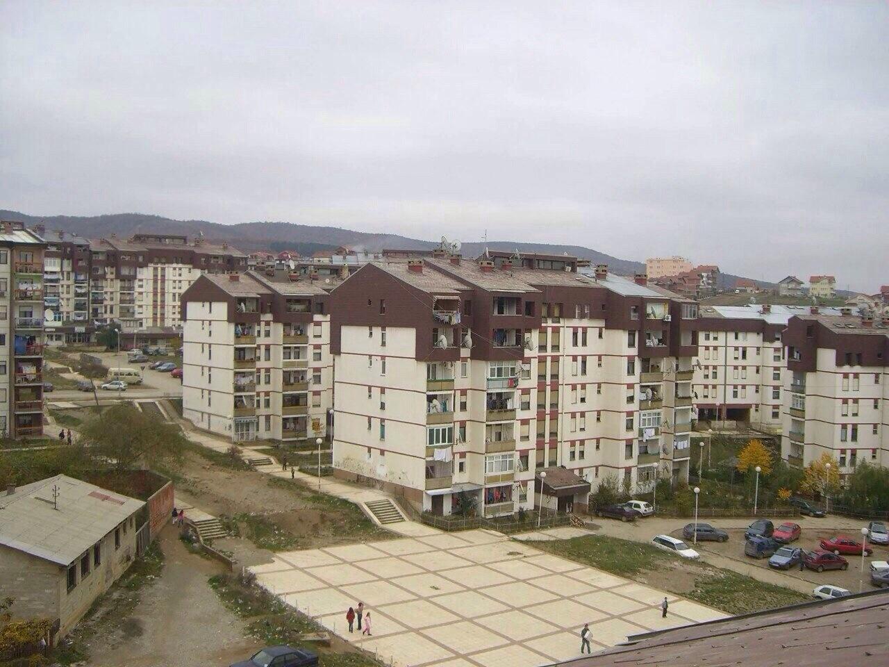 Shitet banesa 3 dhomshe 80m2 kati 4 Kodra e Diellit