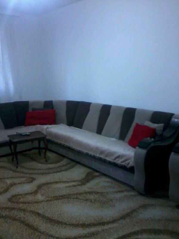 Shitet banesa 3 dhomëshe në Fushë Kosovë, me sipërfaqe 82m2, kati 1-rë