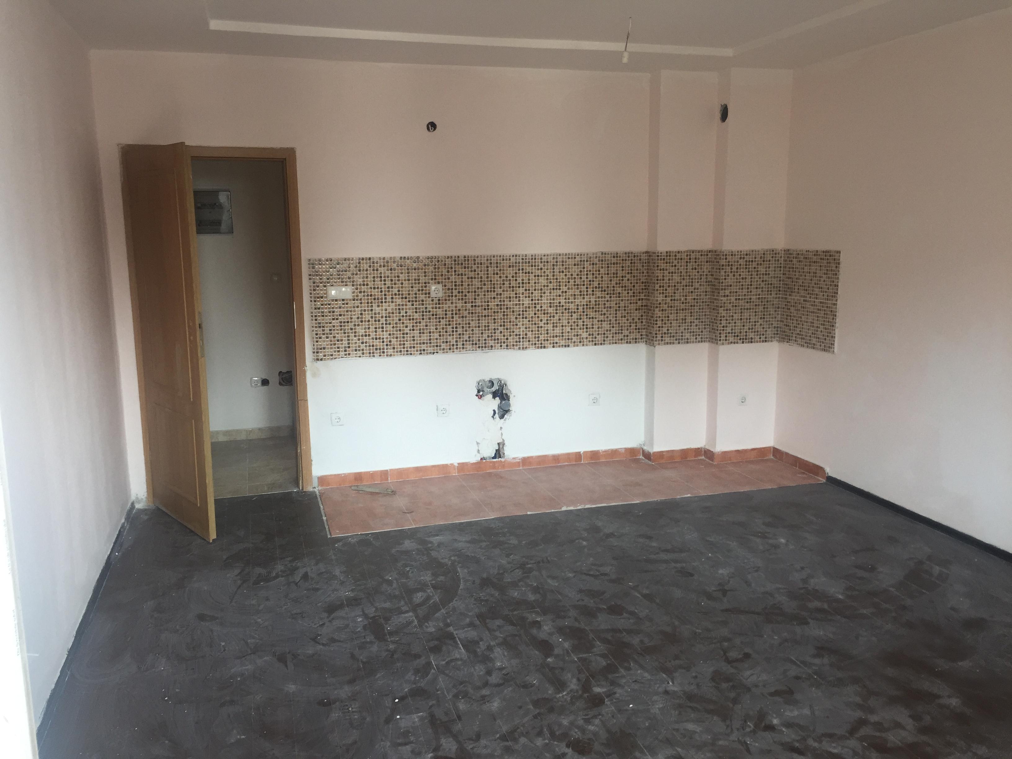 Shitet banesa 2 dhomëshe 63m2 kati 5 Fushë Kosovë