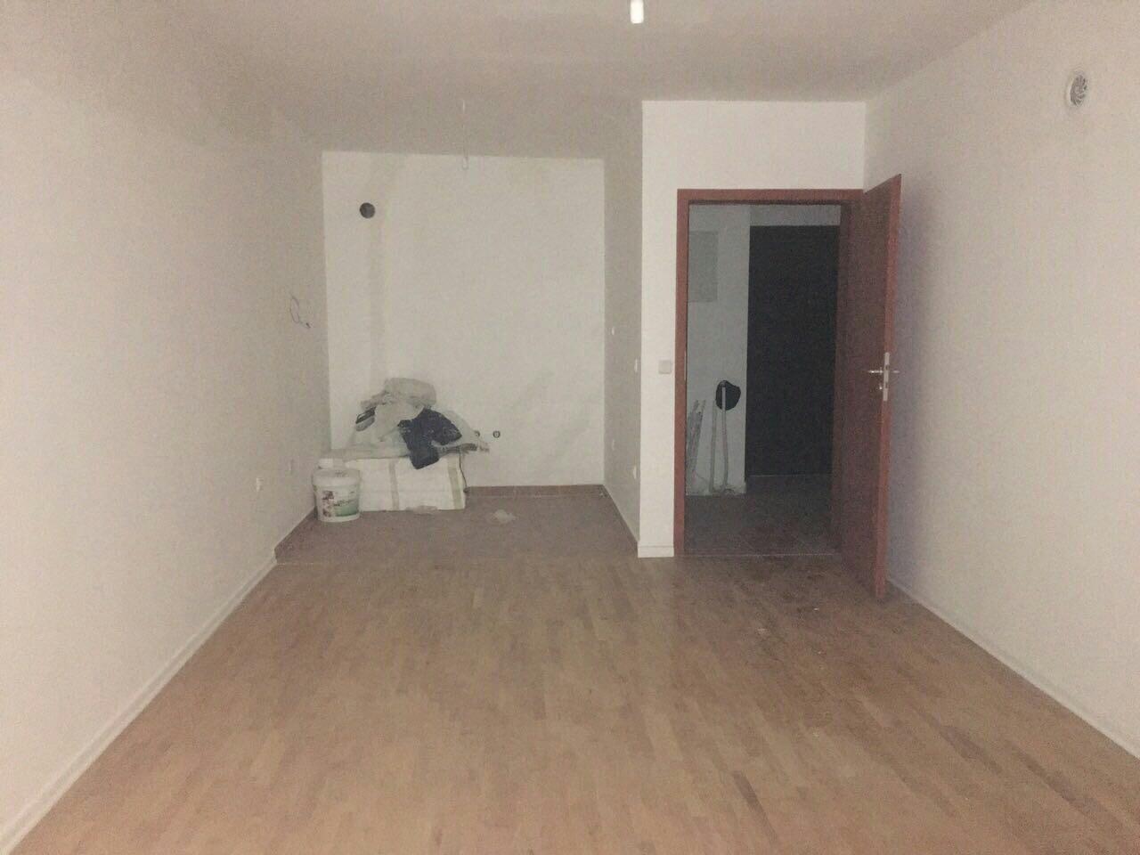 Shitet banesa 2 dhomshe 64m2 kati 1 Fushë Kosovë