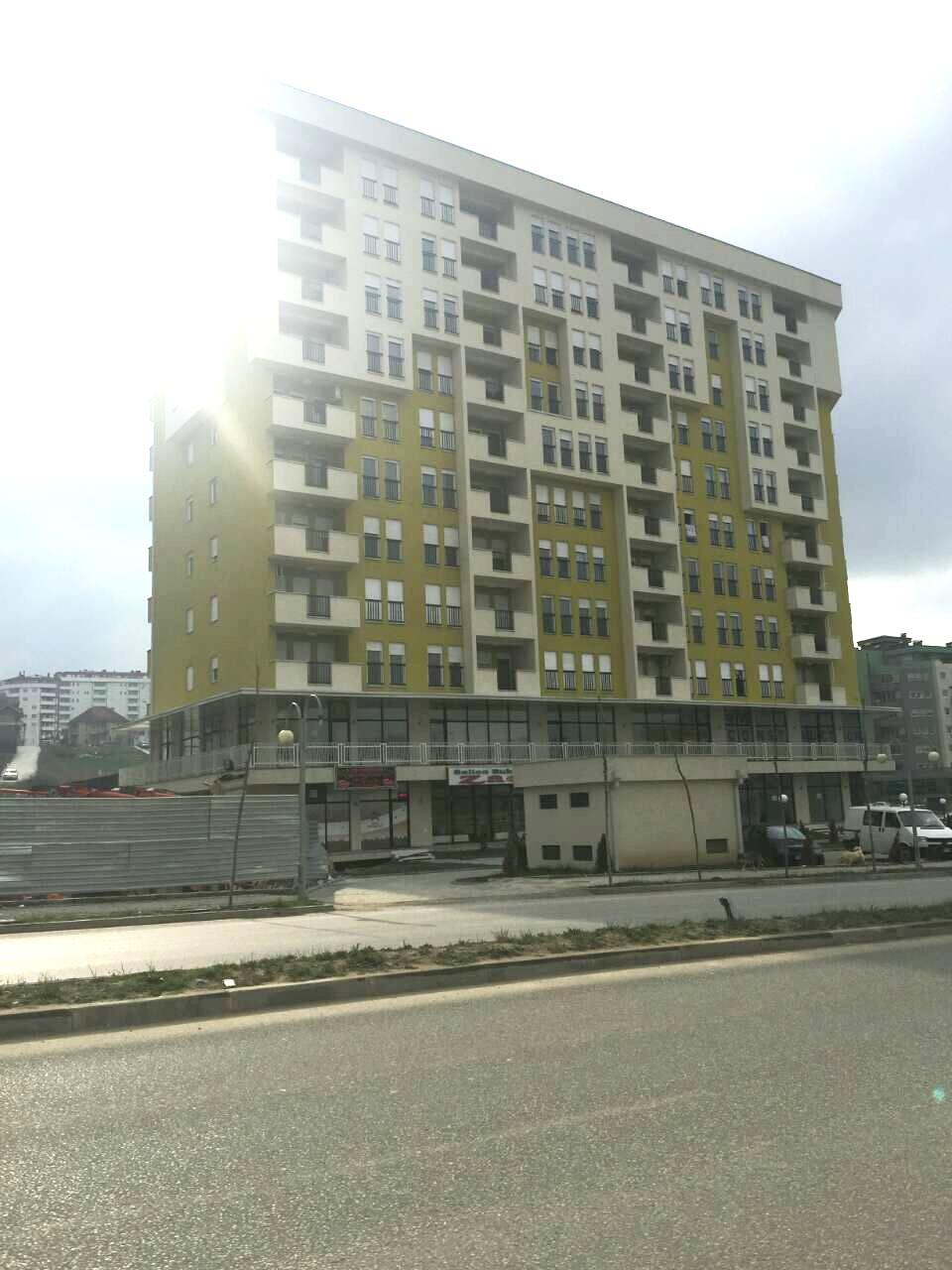 Ipet me qira banesa 3 dhomshe 75m2 kati 1 Lagja Mati 1