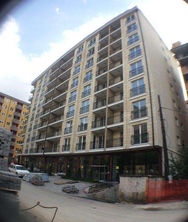 Shitet banesa 4 dhomshe 107m2 kati 8 Fushë Kosovë