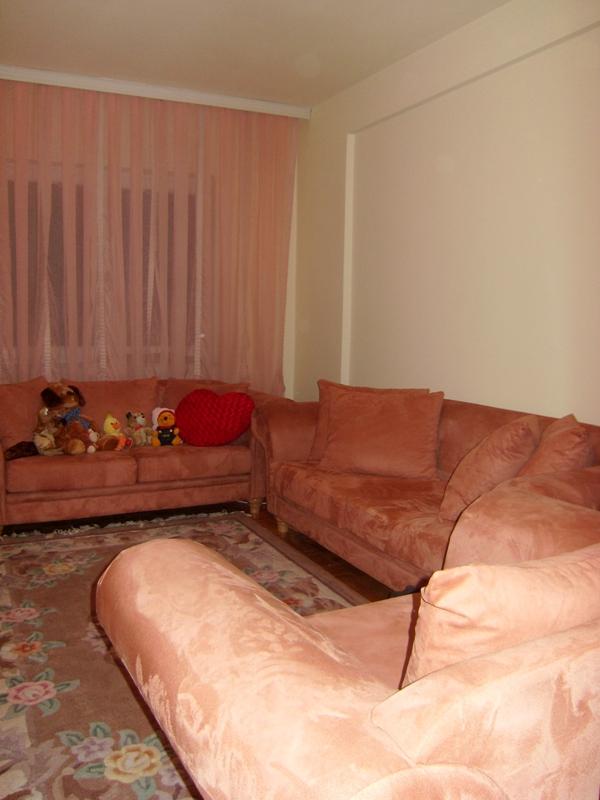 Shitet banesa 3 dhomëshe në lagjen Dodona me sipërfaqe 98m2, kati Përdhesë