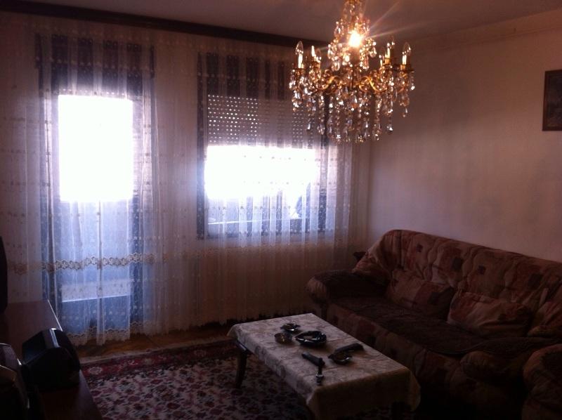 Shitet banesa 3 dhomëshe në lagjen Kodra e Diellit, me sipërfaqe 89.66m2, kati 5-të