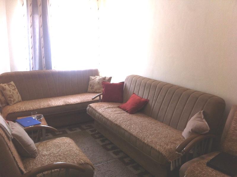 Shitet banesa 3 dhomëshe në Fushë Kosovë me sipërfaqe 65m2, kati 2-të
