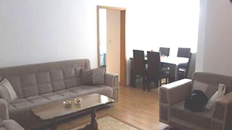Shitet banesa 3 dhomëshe në lagjen Kalabria, 52m2 kati 5-të