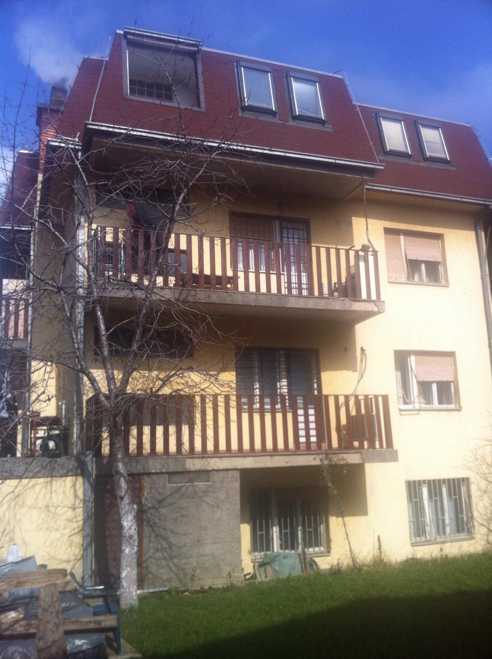 Shtëpia P + 3 katëshe 698.5m2, me 6 ari truall, në lagjen Aktash afër Furra Qerimi