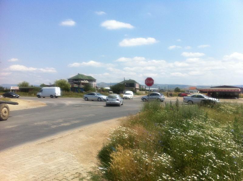 1 Hektar e 20 Ari Truall per shitje në Magjistralen Prishtinë Ferizaj (Te Udhëkryqi i Janjeves)