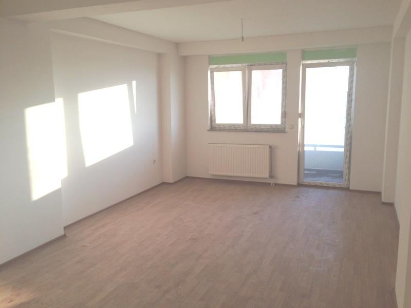 Shitet banesa 2 dhomëshe në lagjen Bregu i Diellit, me sipërfaqe 71m2 kati 3-të
