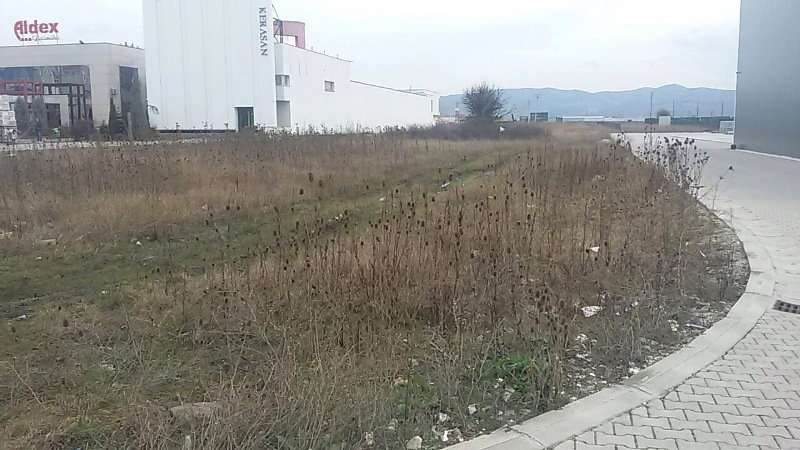 Shitet 70 Ari truall autostrada Prishtinë Qagllavic (afer Hip Petrollit), trualli ka dalje në autostrad 40m