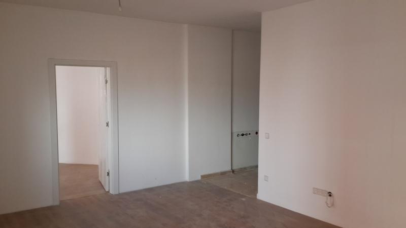 Shitet banesa 2 dhomëshe në Fushë Kosovë, 59m2, kati 5-të (me lift)