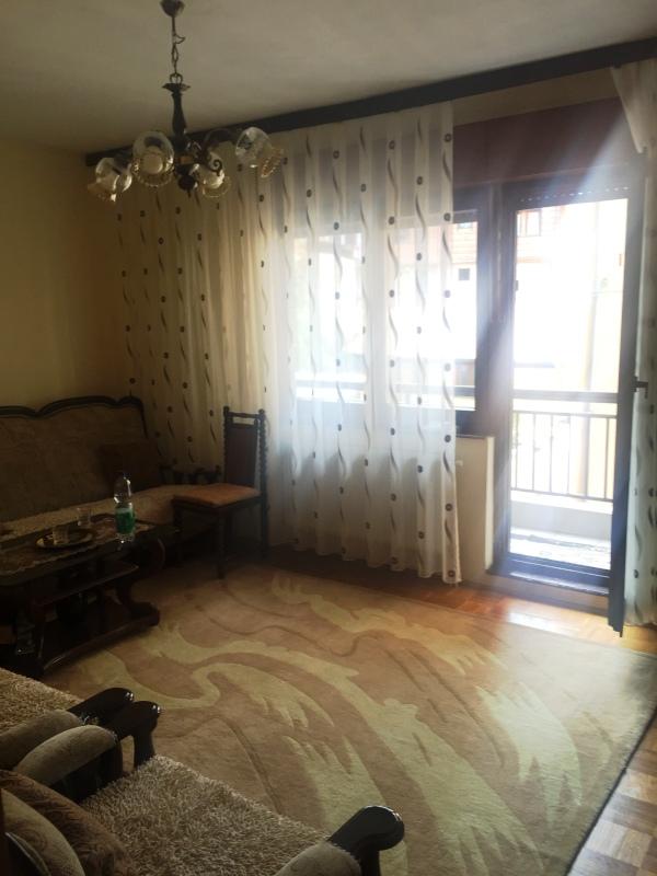 Shitet banesa 2 dhomëshe në lagjen Dodona, 65m2, kati 2-të