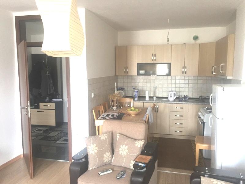 Shitet banesa 2 dhomëshe në Fushë Kosovë, 50m2, kati i 7-të