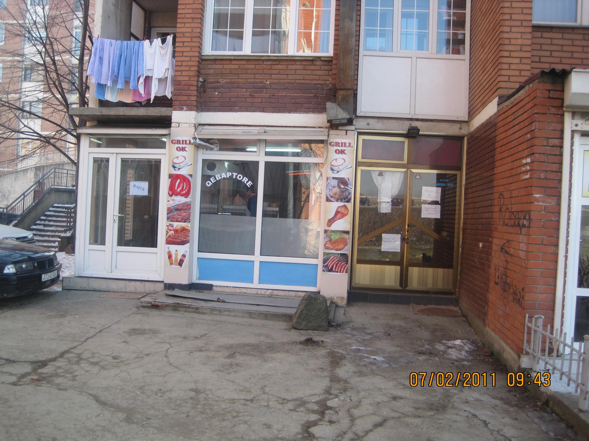 Lokal afarist per shitje ne lagjen Dardania, mbrapa Bast Trade-s, afer Stacionit te Autobisave, me siperfaqe 40m2 me letra, 80m2 fizike, kati Perdhese