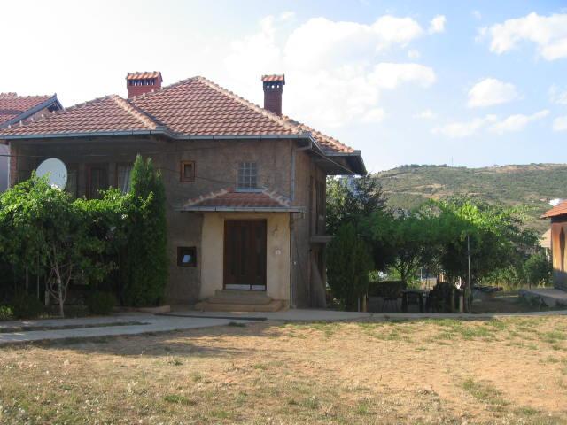 Shitet shtepia në Sofali afër xhamisë së Sofalise, me siperfaqe banimi 180m2, dhe sipërfaqe të truallit 7.3 ari