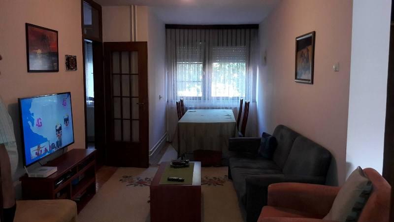 Ipet me qira banesa 5 dhomshe në 110 lagjen Kodra e diellit