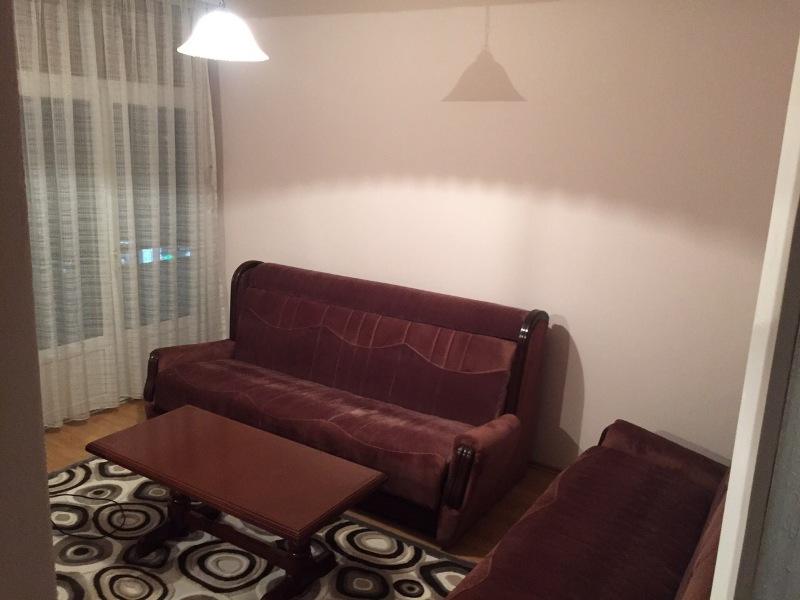Ipet me qira banesa 3 dhomëshe 70m2 në lagjen Ulpian
