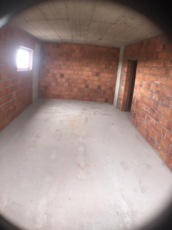 Shitet banesa 3 dhomshe 77.5m2 kati i 3 Fushë Kosovë