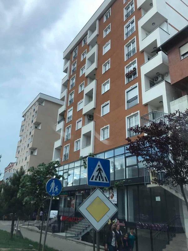Shitet banesa 3 dhomëshe 75m2 në Fushë Kosovë