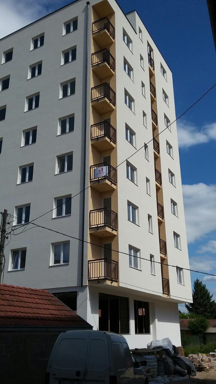 Shitet banesa 4 dhomshe 100m2 kati 7 Fushe Kosove