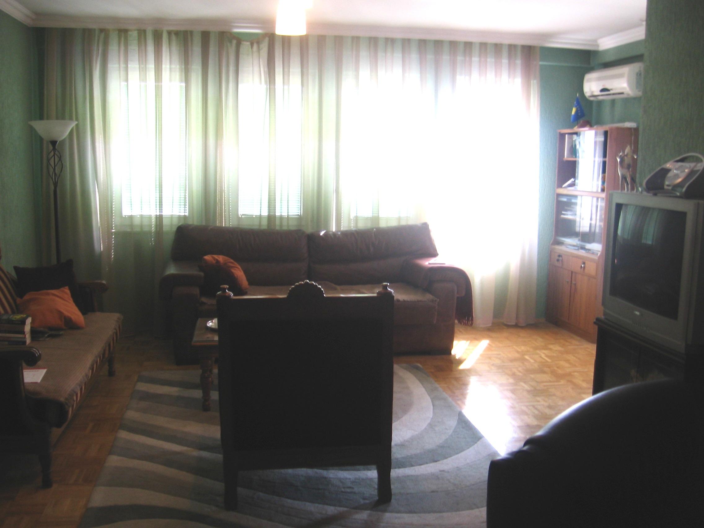 Ipet me qira banesa 3 dhomëshe 80m2 në lagjen Dodona
