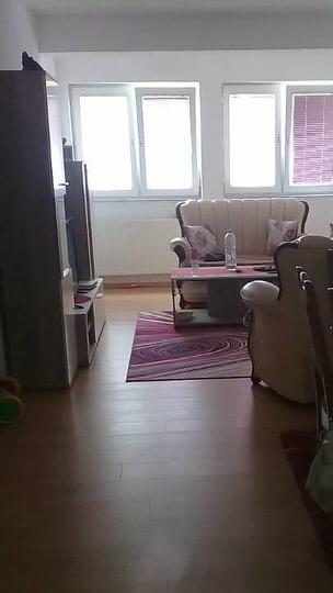 Shitet banesa 3 dhomshe 94m2 kati 3 Fush Kosov