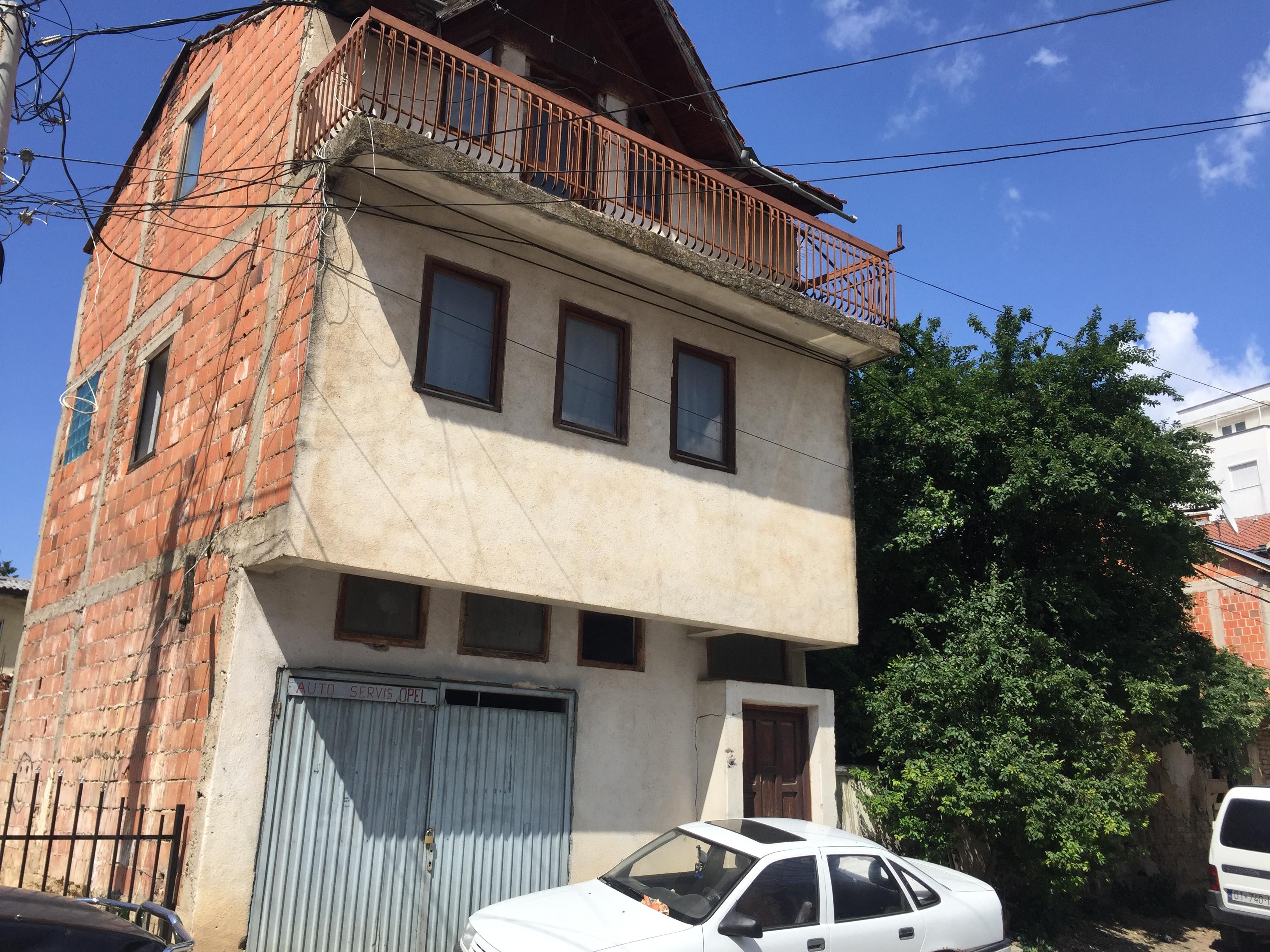 Shitet shtëpia 2 katëshe më 2 Ari Truall në Lagjen Dodona