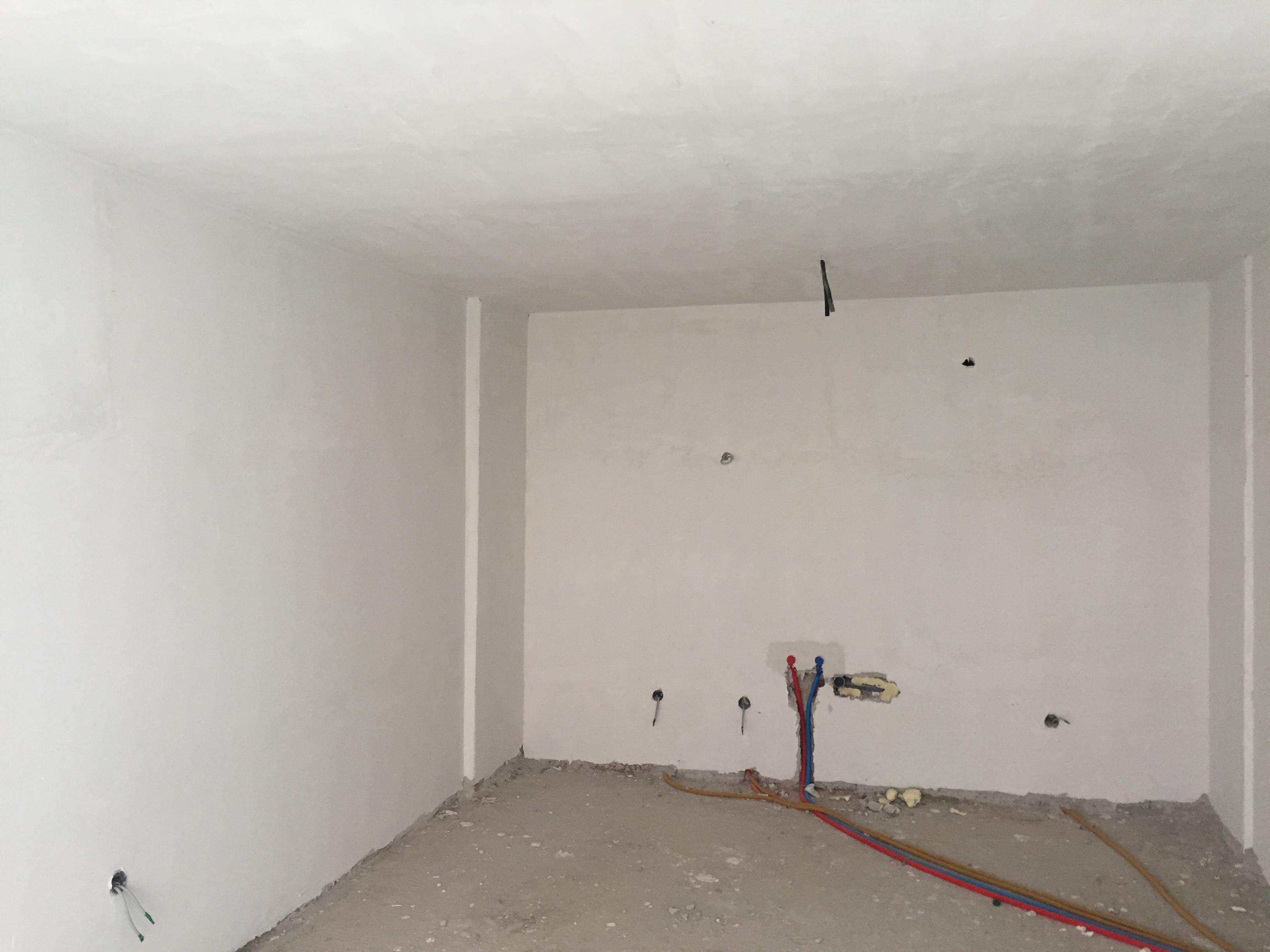Shitet banesa 3 dhomëshe 89m2 kati 8 në Fushë Kosovë