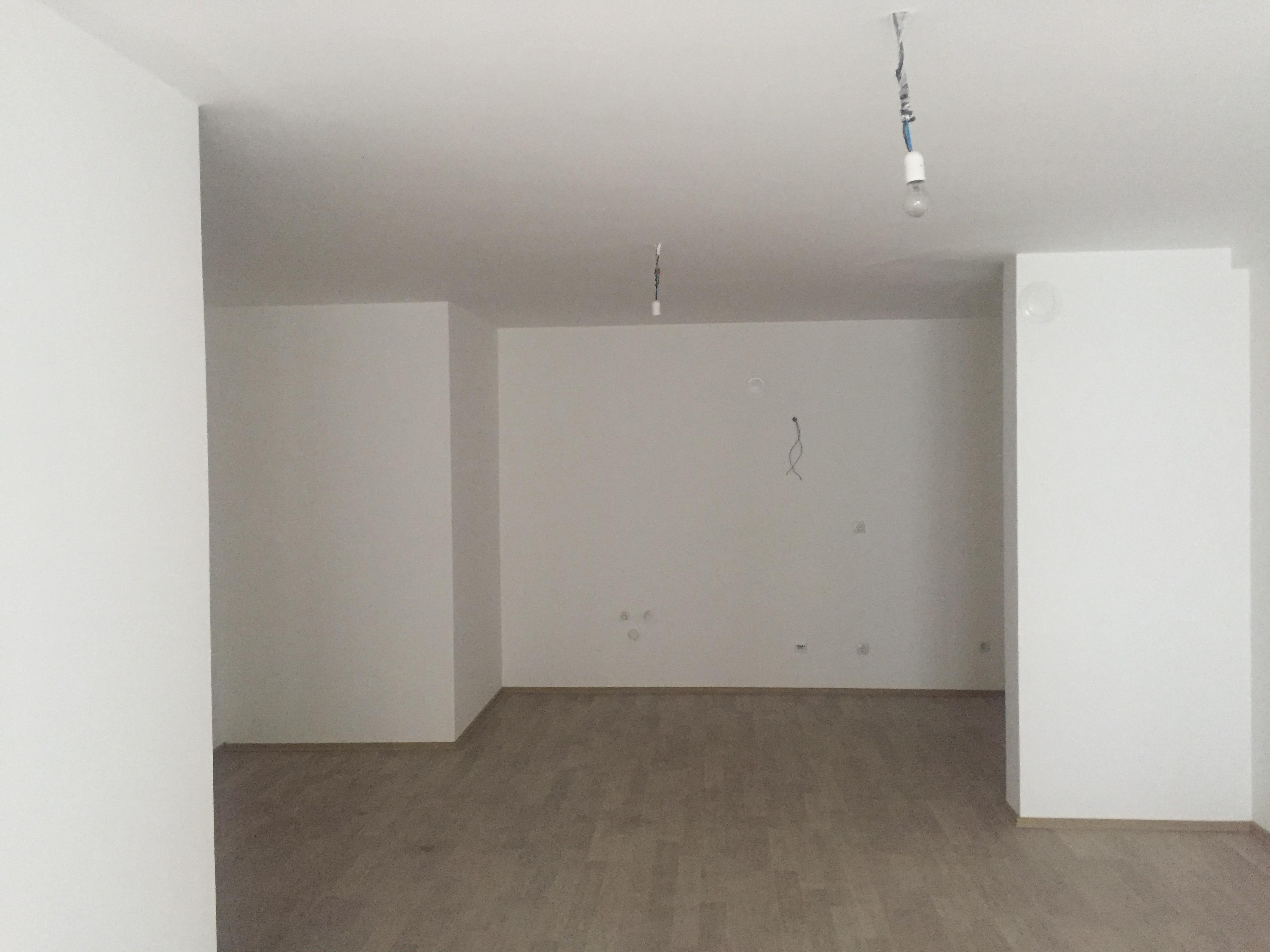 Shitet banesa 3 dhomëshe 97m2 kati 6 në Fushë Kosovë