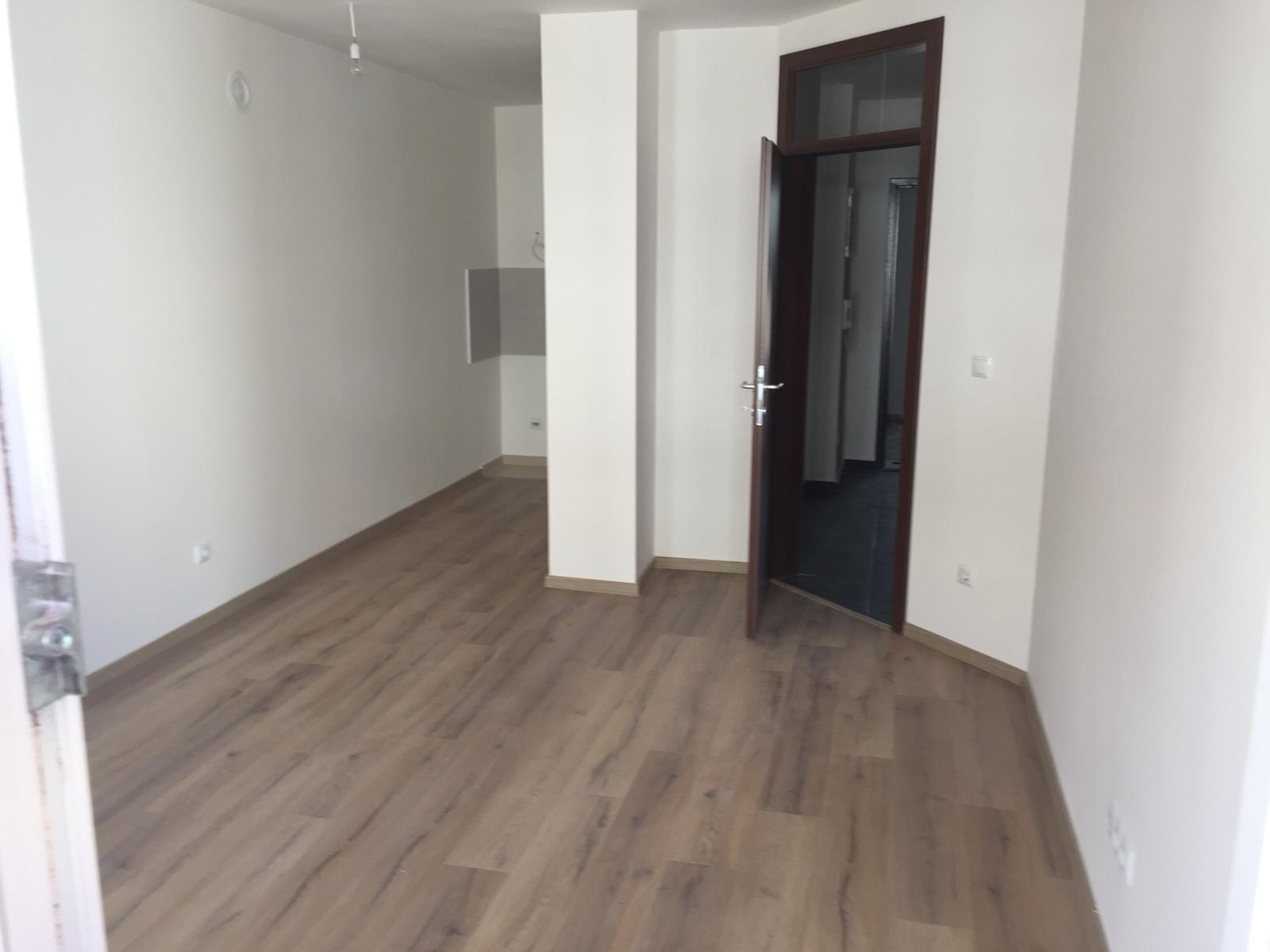 Shitet banesa 2 dhomshe 53m2 kati 6 Fushë Kosovë