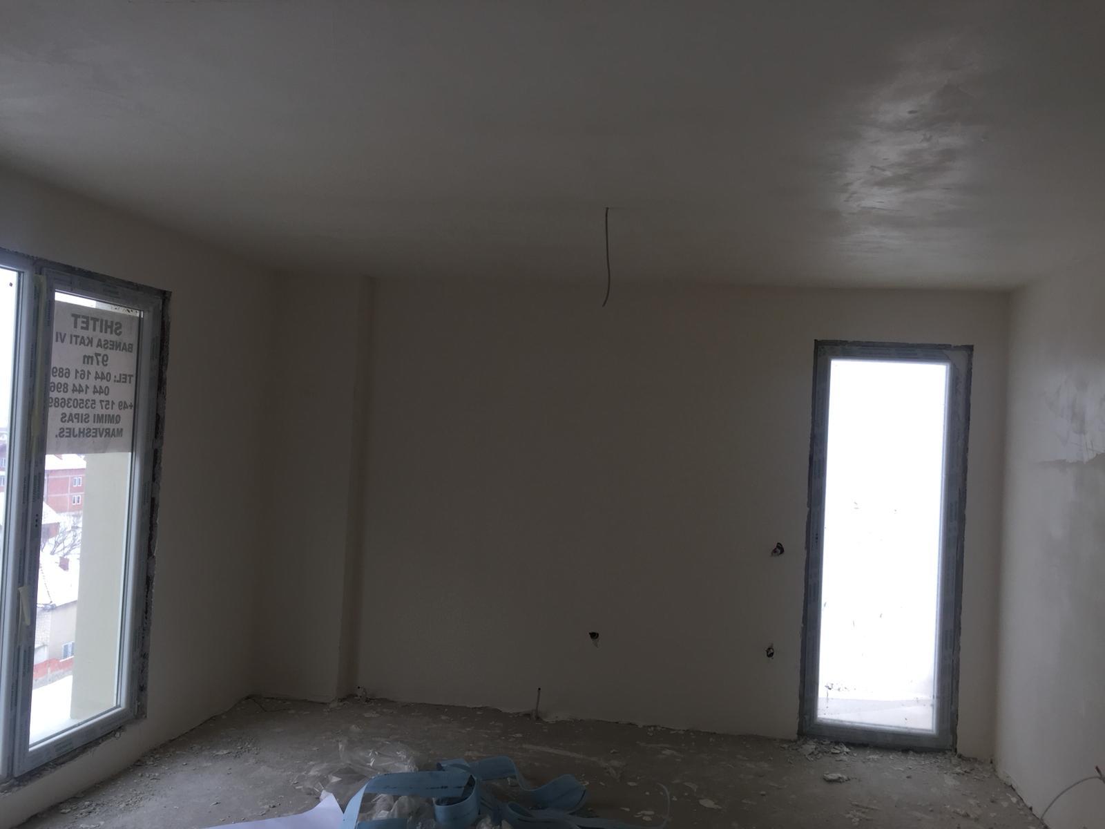 Shitet banesa 3 dhomshe 97m2 kati 6 Fushë Kosovë