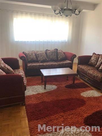 Ipet më qira banesa 4 dhomëshe në lagjen Arbëri
