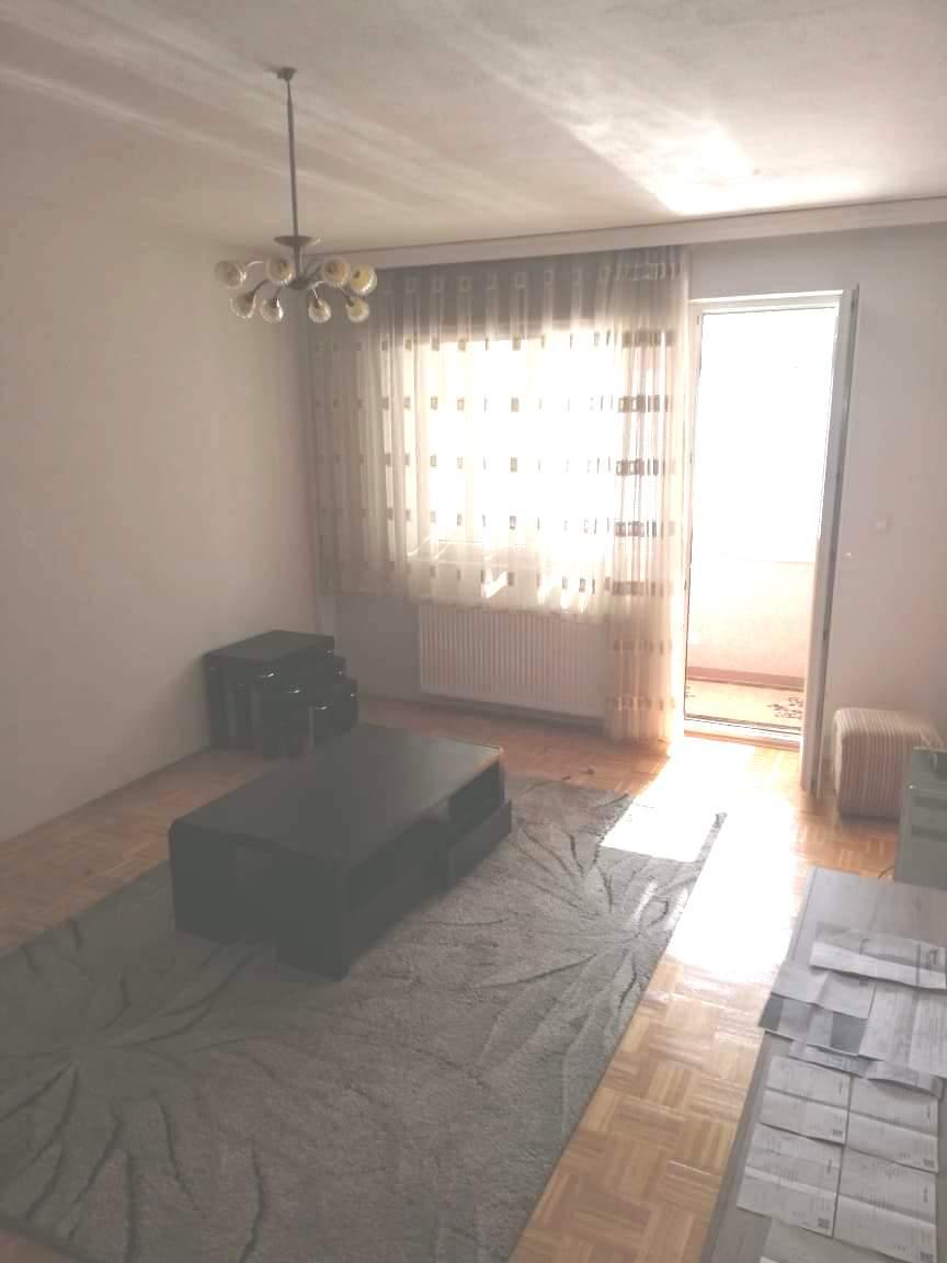 Shitet banesa 2 dhomëshe 64m2 kati 3 në Fushë Kosovë