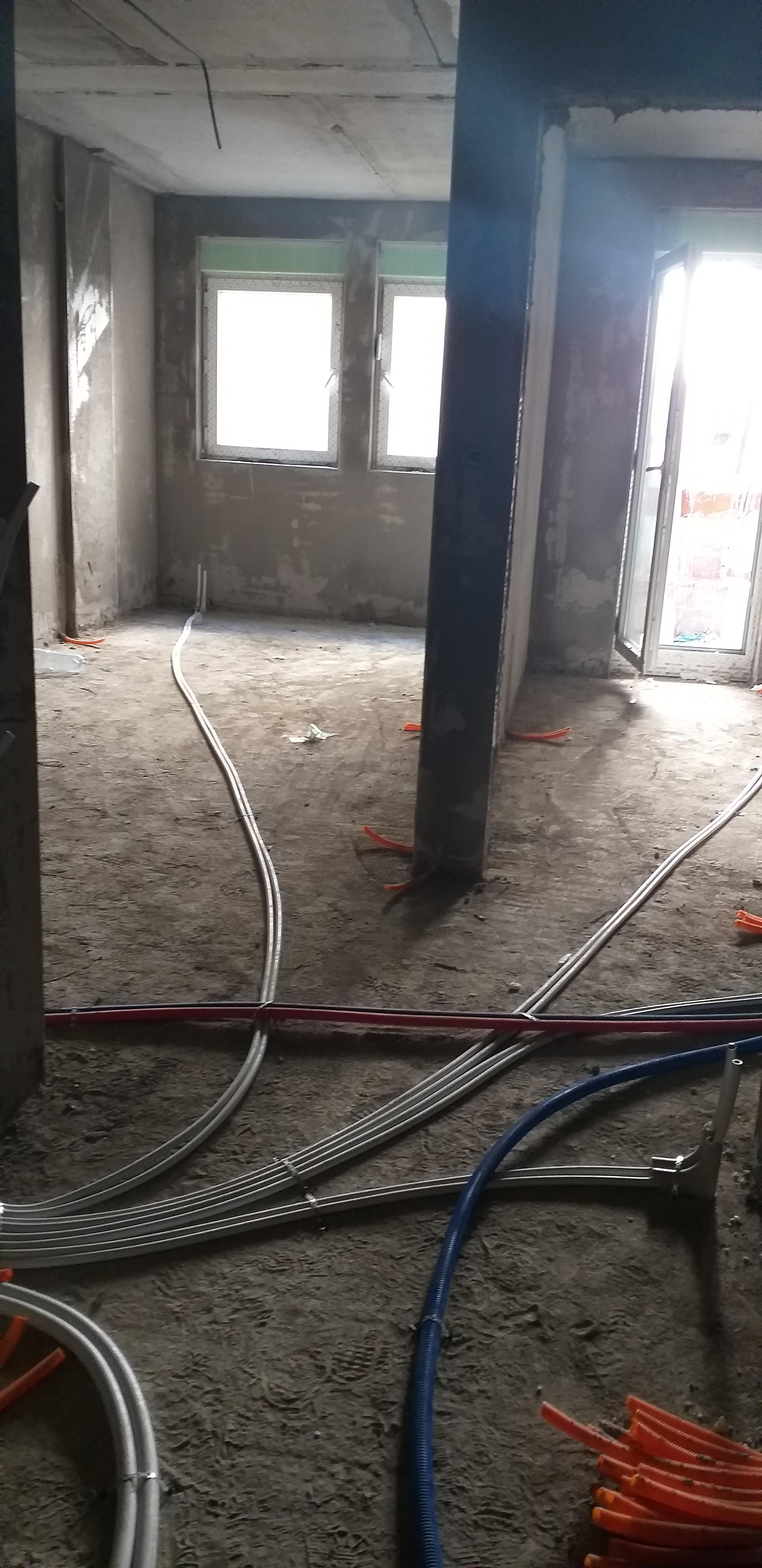 Shitet banesa 2 dhomëshe 43.77m2 kati 2 në Fushë Kosovë