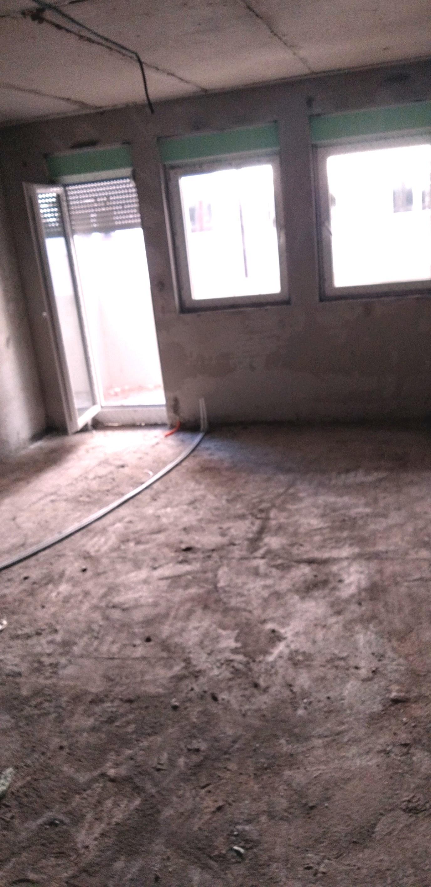 Shitet banesa 3 dhomëshe 72.46m2 kati 5 në Fushë Kosovë
