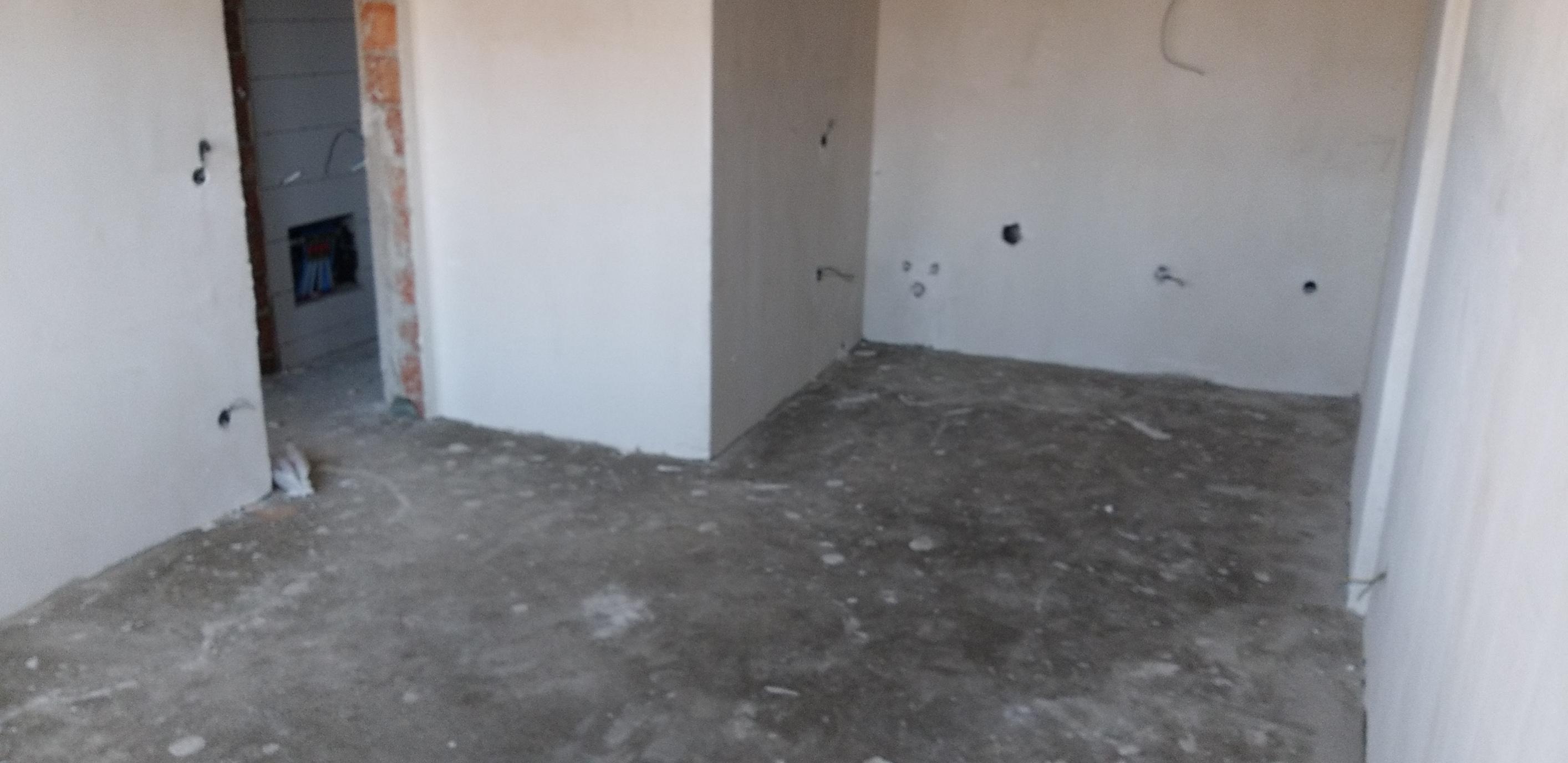Shitet banesa 2 dhomëshe 61.5m2 kati 1 në Fushë Kosovë