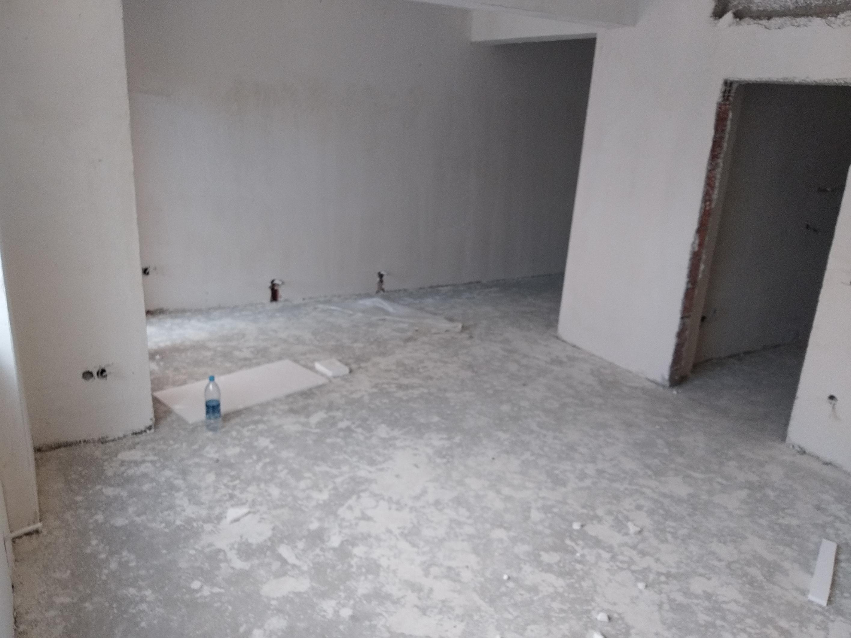 Shitet banesa 4 dhomëshe 107m2 kati 4 në Lagjen e Spitalit