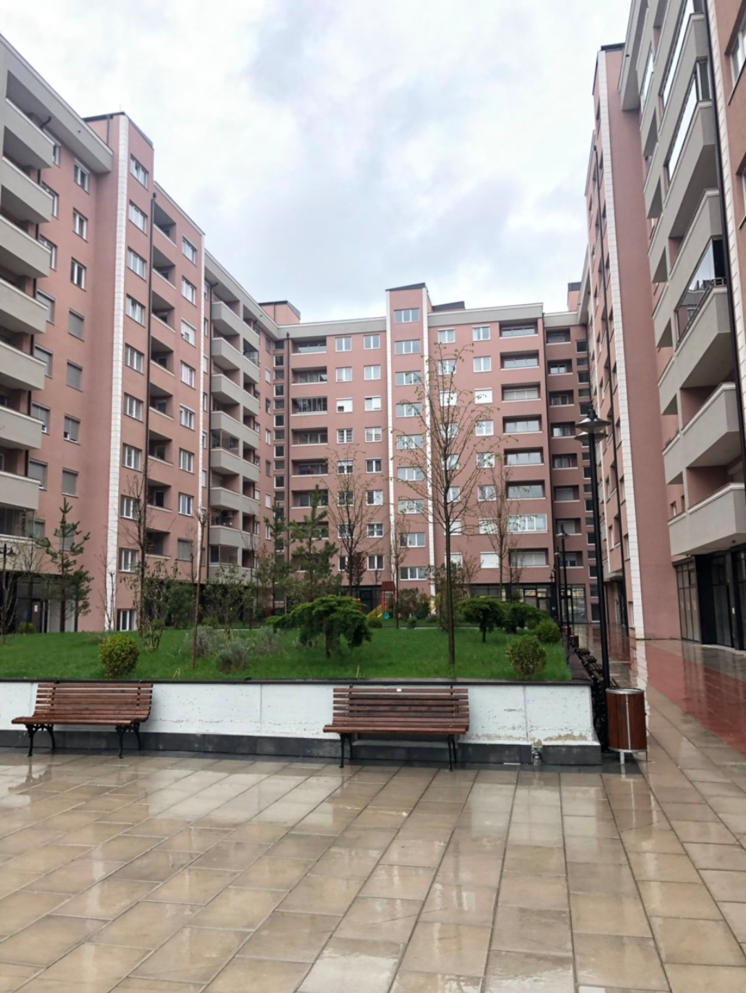 Shitet banesa 3 dhomëshe 89m2 kati 3 Fush Kosove Eliza