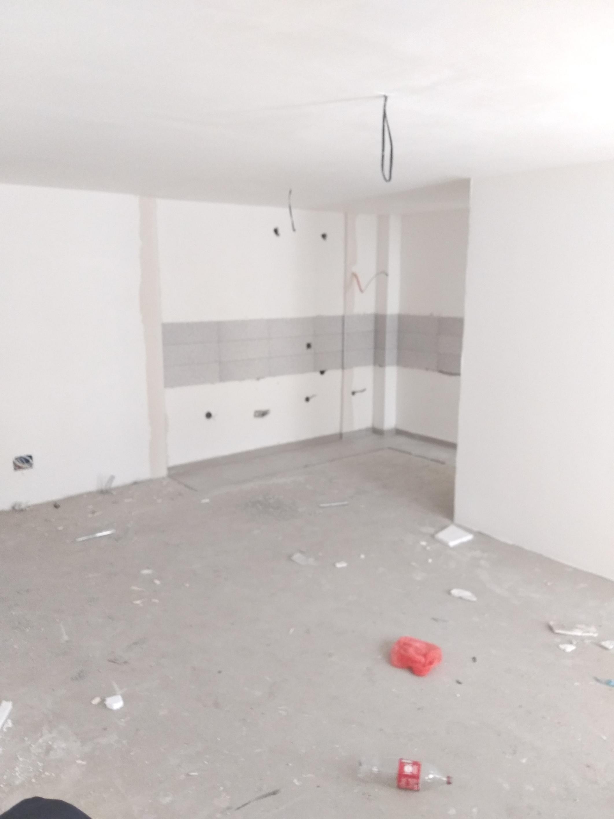 Shitet banesa 3 dhomshe 75.50m2 kati 3 Fushë Kosovë