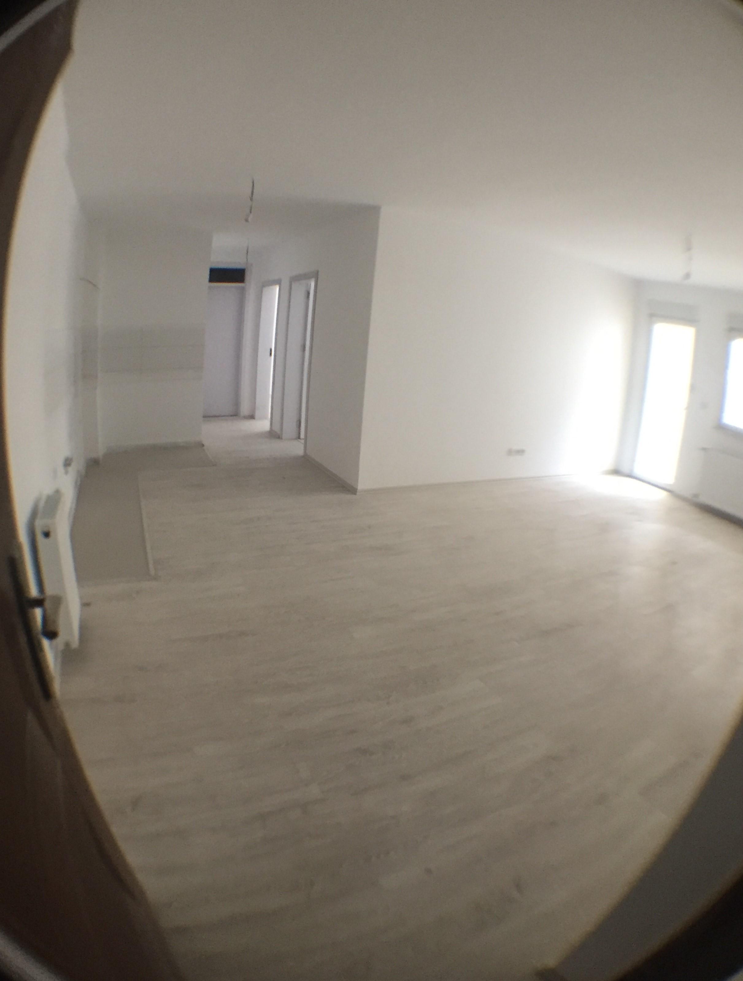 Shitet banesa 3 dhomshe 75.50m2 kati 6 Fushë Kosovë