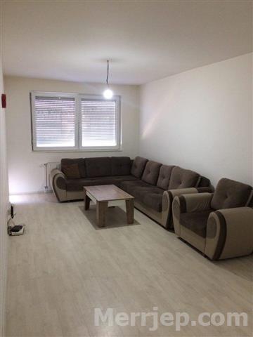 Shitet banesa 3 dhomëshe 88m2 kati 7 në Fushë Kosovë