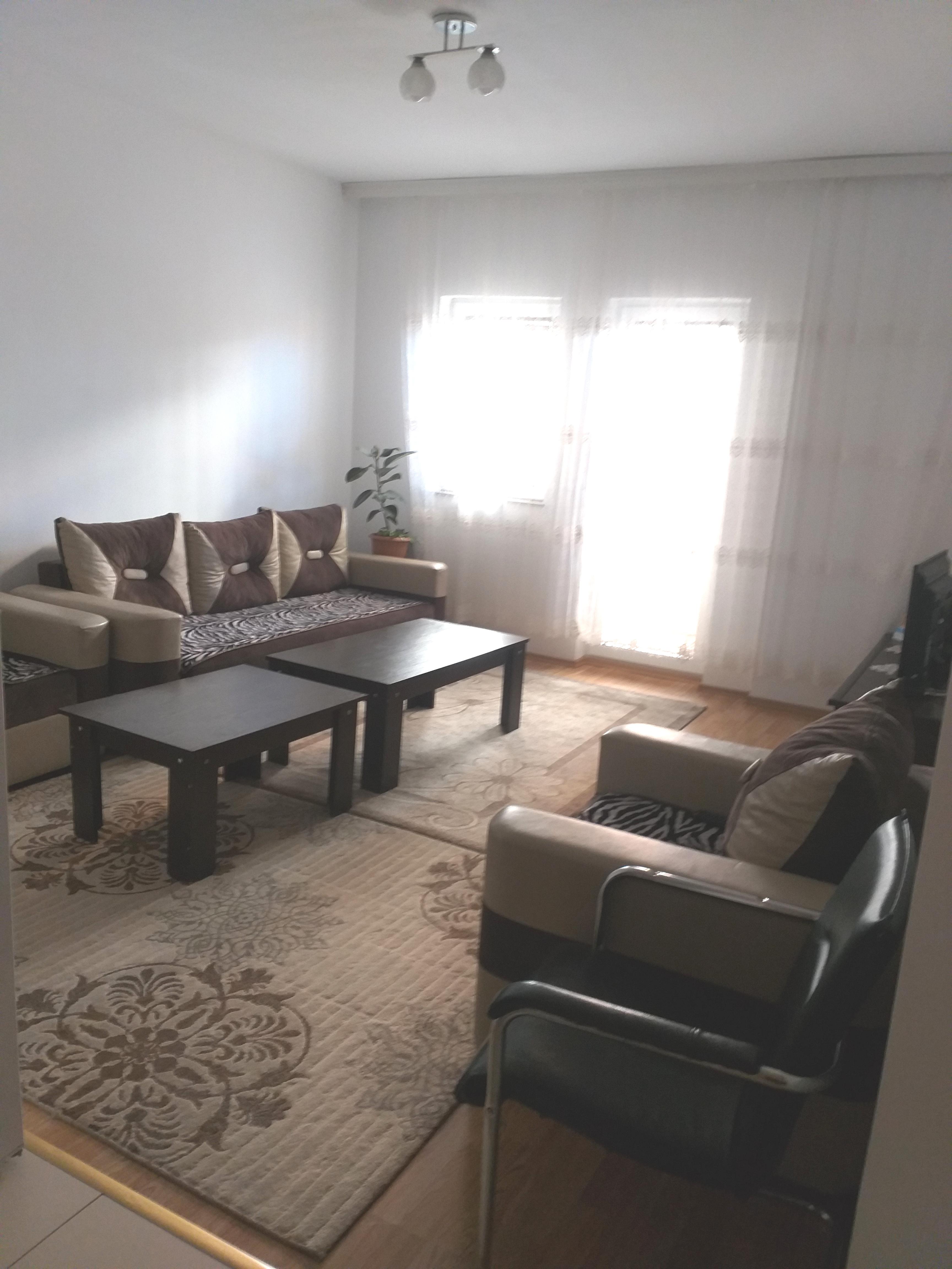 Shitet banesa 3 dhomëshe 62m2 kati 1 në Fushë Kosovë