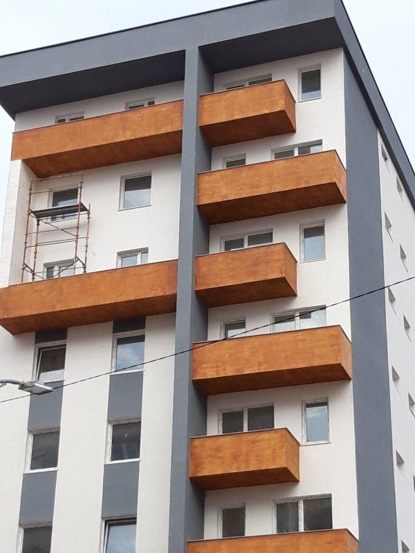 Shitet banesa 2 dhomshe 55m2 kati 8 Fushë Kosovë