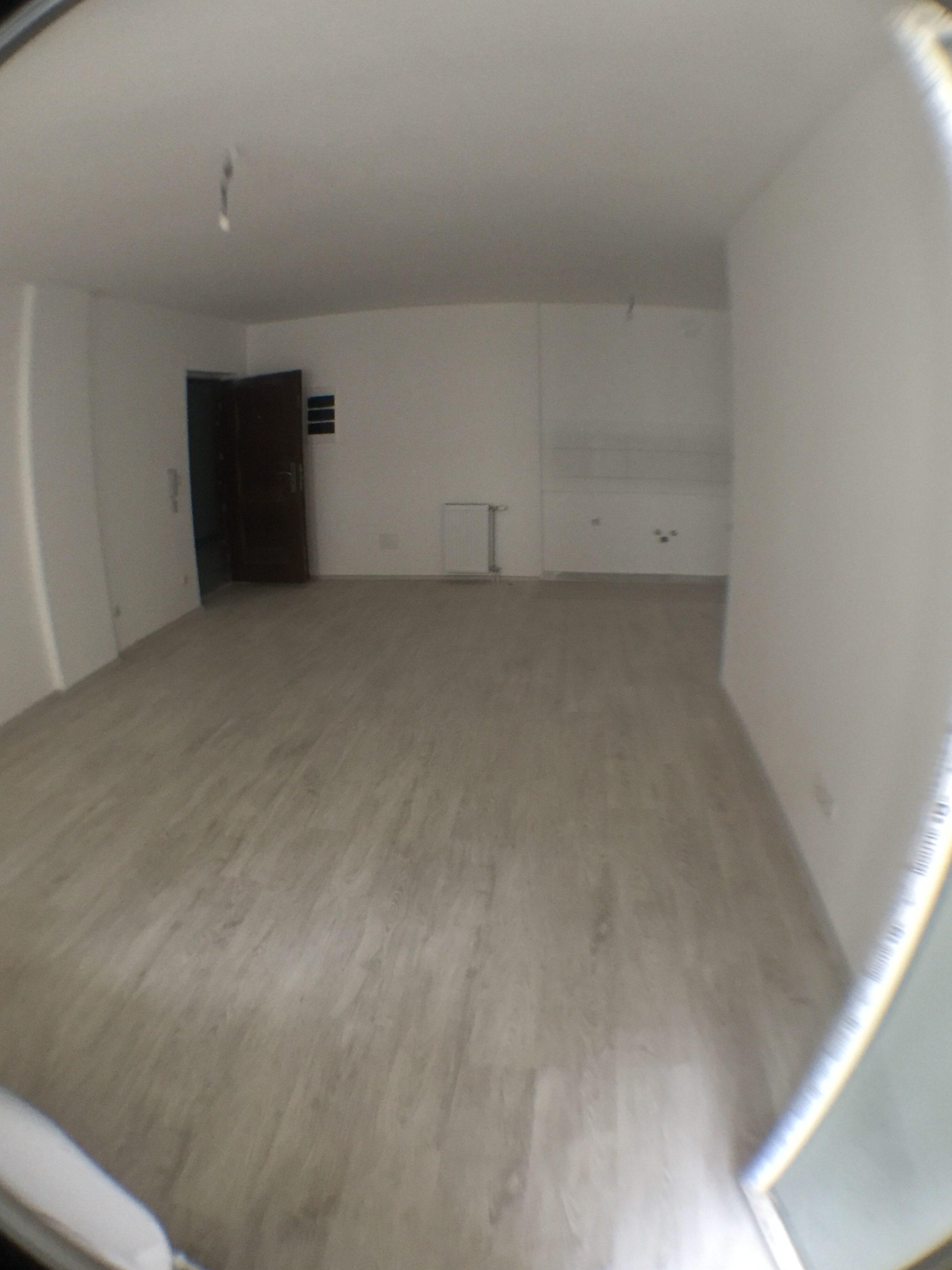 Shitet banesa 3 dhomëshe 75.50m2 kati 6 në Fushë Kosovë