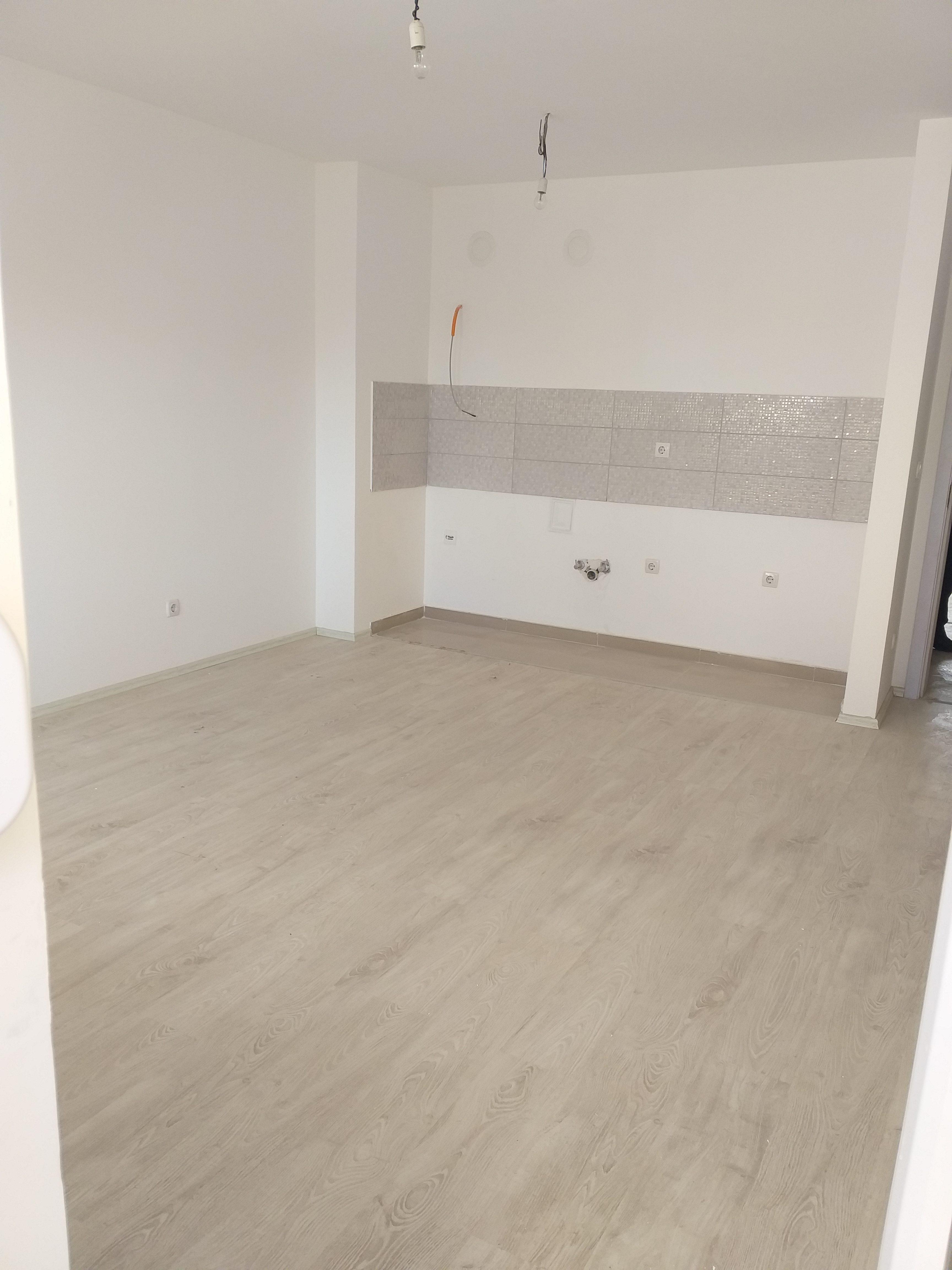 Shitet banesa 3 dhomshe 92.85m2 kati 8 Fushë Kosovë
