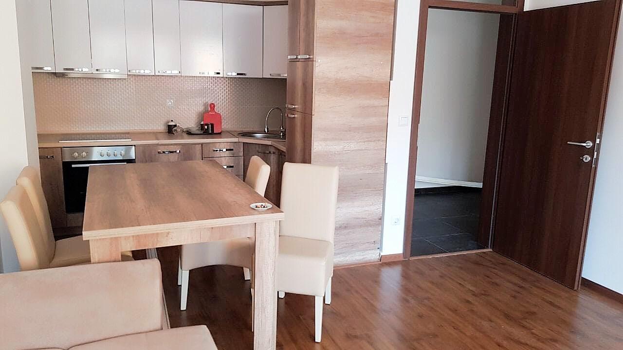 Ipet me qira banesa 3 dhomëshe 80m2 kati 2 në Fushë Kosovë