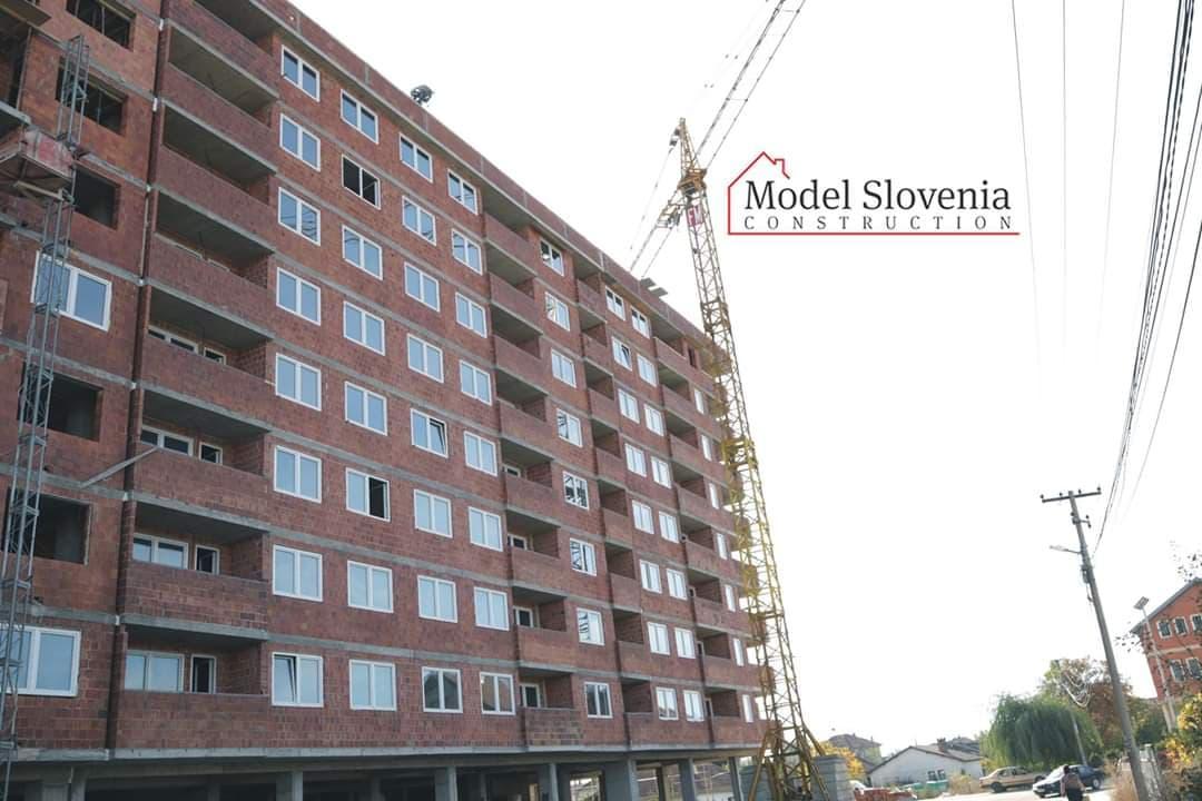 Shitet banesa 3 dhomëshe 86.66m2 kati 7 në Fushë Kosovë
