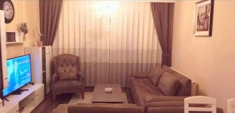 Shitet banesa 3 dhomëshe 80m2 kati 7 në Fushë Kosovë