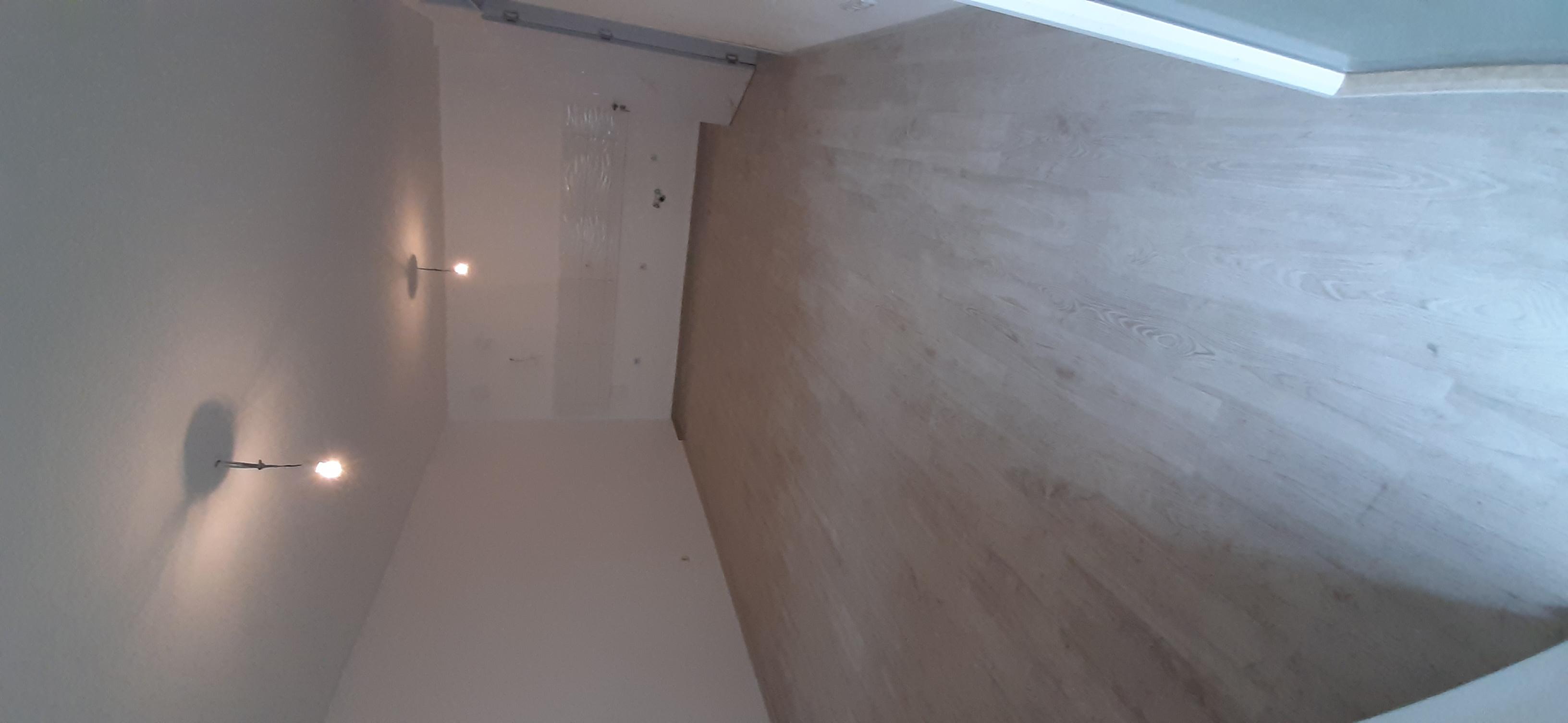 Shitet banesa 3 dhomëshe 86m2 kati 5 Fushë Kosovë