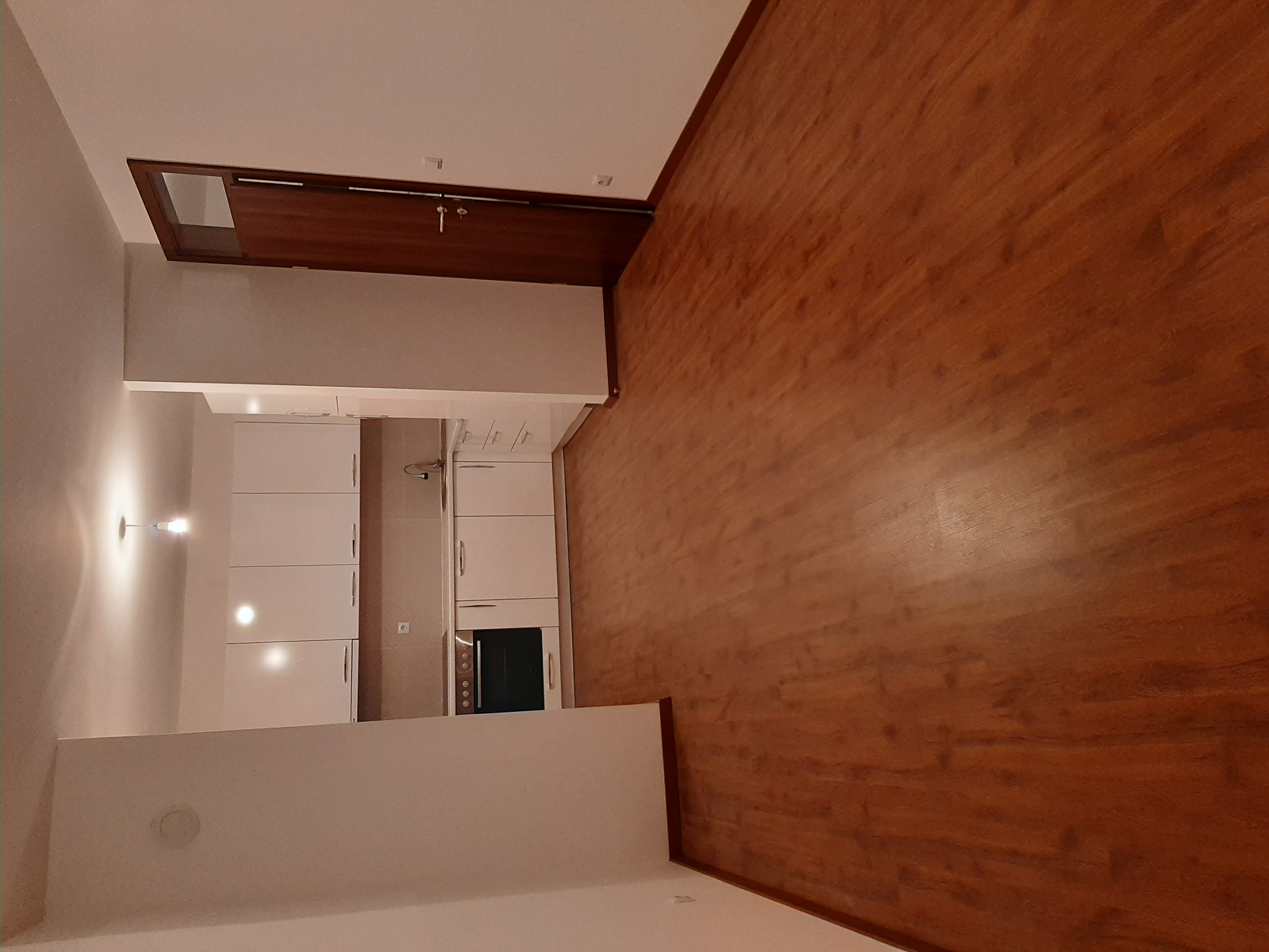 Ipet me qira banesa 3 dhomëshe 80m2 kati 1 në Fushë Kosovë